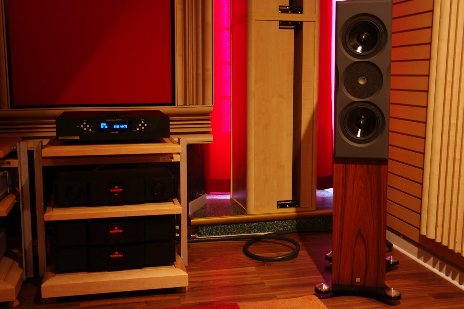 Neat Acoustics Ultimatum & KAS180 + KALRef