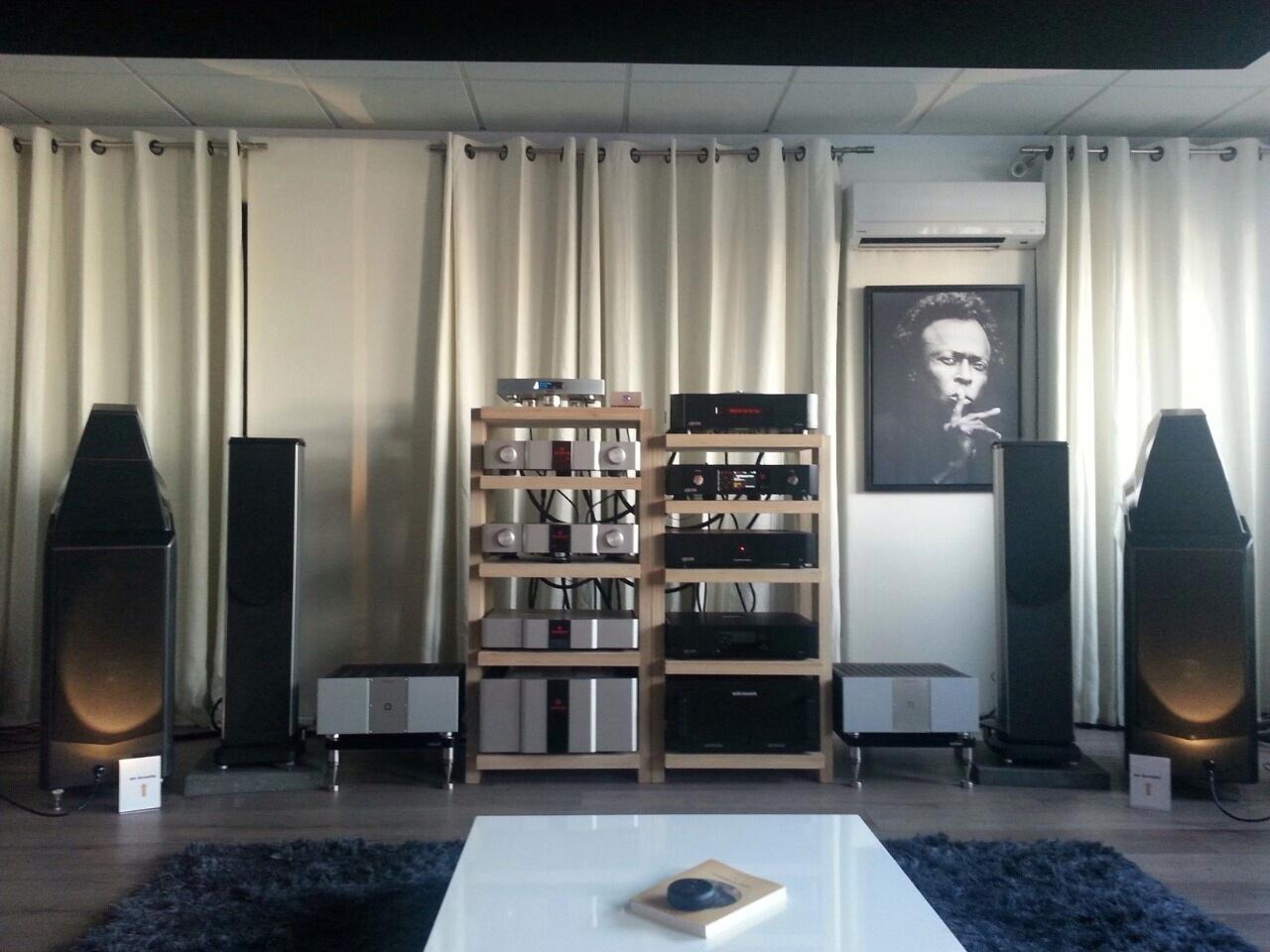 Wilson Audio Sasha2 + KA S 600 + KA L RefMk3 Show 2014 Lyon-1